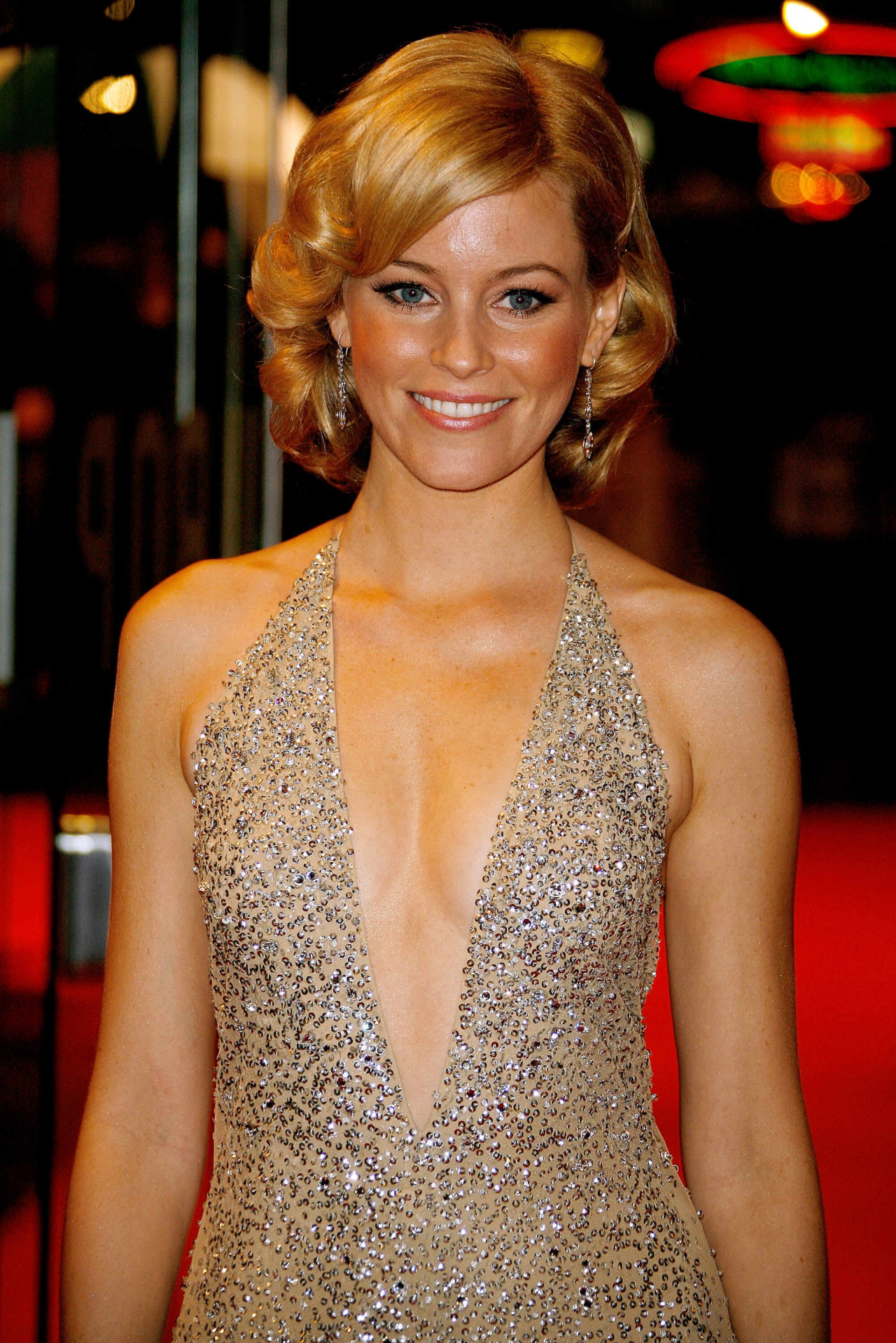 Elizabeth Banks Wallpapers High Resolution and Quality